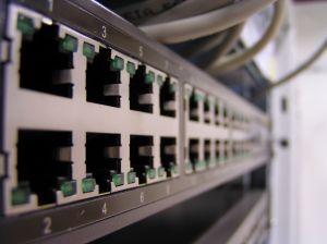 268023_d-link_switch.jpg